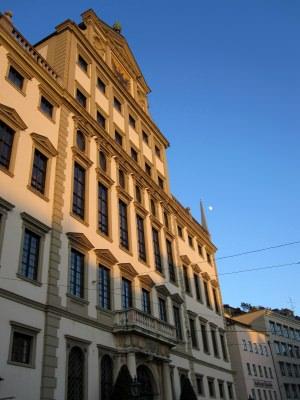 mehr Sicherheit für Augsburger Bürger - Türööfnung schnell & unkomplizierthlüsseldienst für Augsburg -